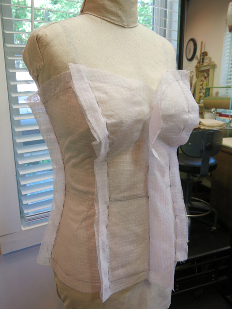 bustier net fitting on the form